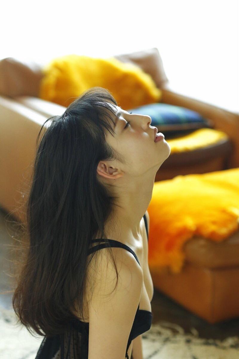 【沖口優奈グラビア画像】八重歯が特徴的で可愛らしい美少女アイドルのエロ写真! 47