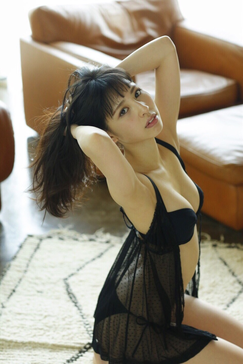 【沖口優奈グラビア画像】八重歯が特徴的で可愛らしい美少女アイドルのエロ写真! 65