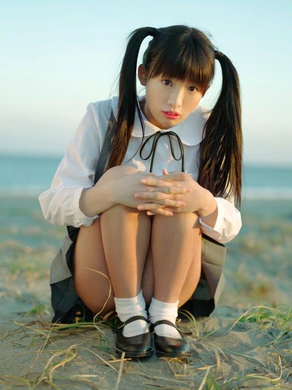 【ツインテールの日】ツインテールがとっても良く似合って可愛い美少女グラビア画像 22
