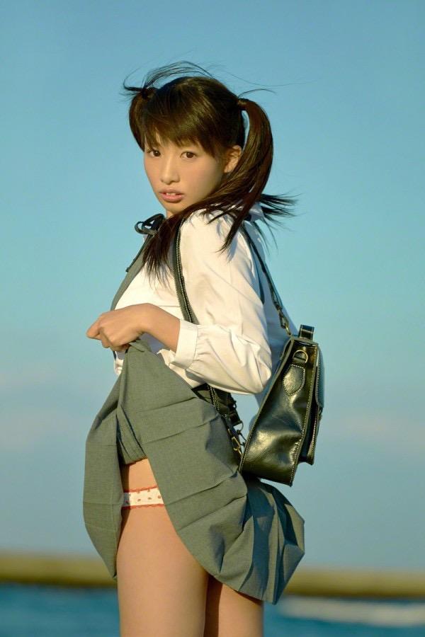【ツインテールの日】ツインテールがとっても良く似合って可愛い美少女グラビア画像 28