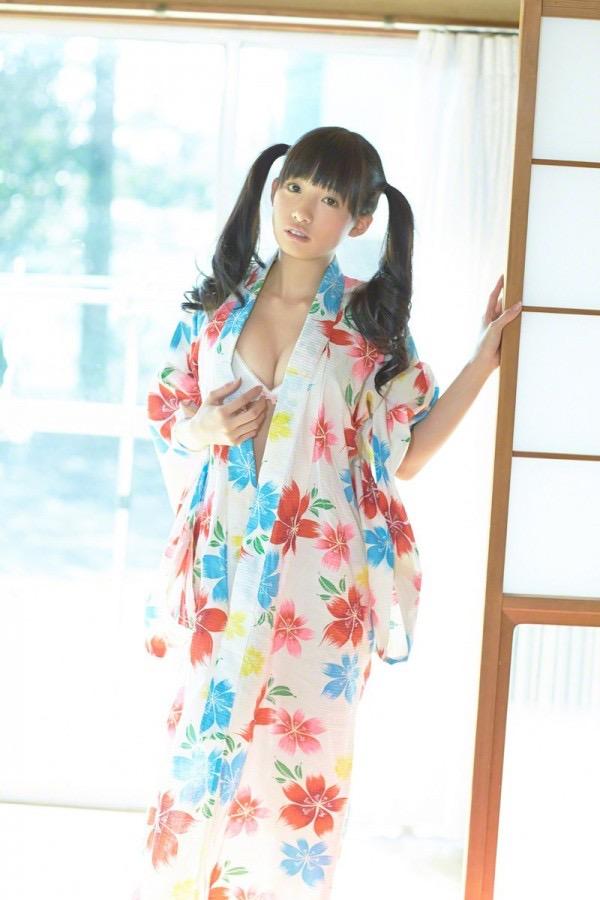 【ツインテールの日】ツインテールがとっても良く似合って可愛い美少女グラビア画像 33