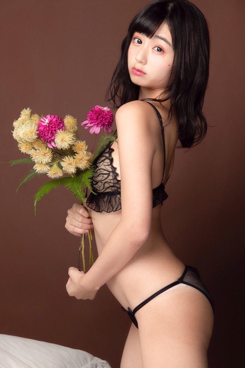【栗田恵美エロ画像】インスタ自撮りでグラビア並みのエロ画像を公開してるくりえみちゃん! 75