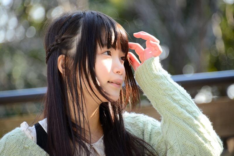 【佐々木絵里エロ画像】さらさらロングヘアが清純美少女感あるけど脱ぐとエロいグラドル画像