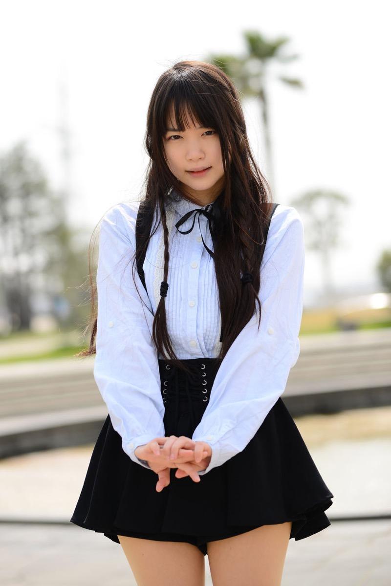 【佐々木絵里エロ画像】さらさらロングヘアが清純美少女感あるけど脱ぐとエロいグラドル画像 18