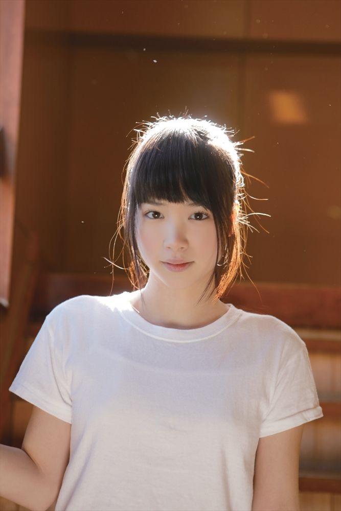 【佐々木絵里エロ画像】さらさらロングヘアが清純美少女感あるけど脱ぐとエロいグラドル画像 64
