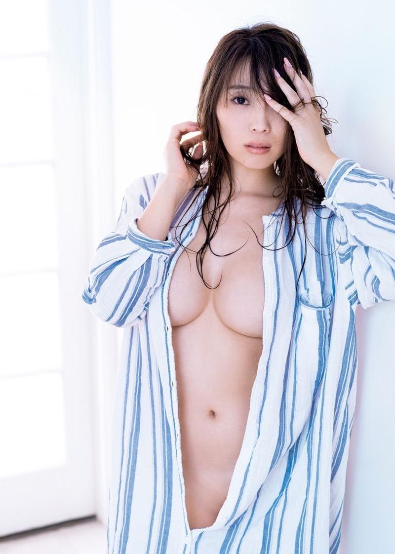 【森咲智美グラビア画像】インスタフォロワー100万人超えの快挙を成したグラビアアイドル 49