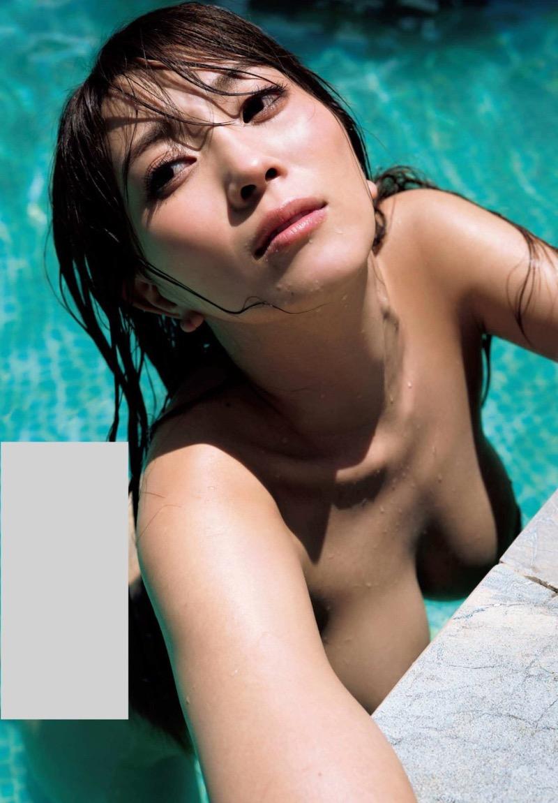 【森咲智美グラビア画像】インスタフォロワー100万人超えの快挙を成したグラビアアイドル 62