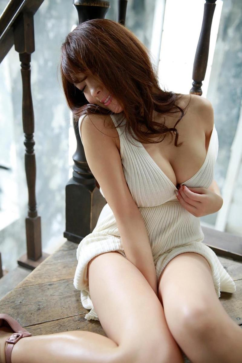 【森咲智美グラビア画像】インスタフォロワー100万人超えの快挙を成したグラビアアイドル 63