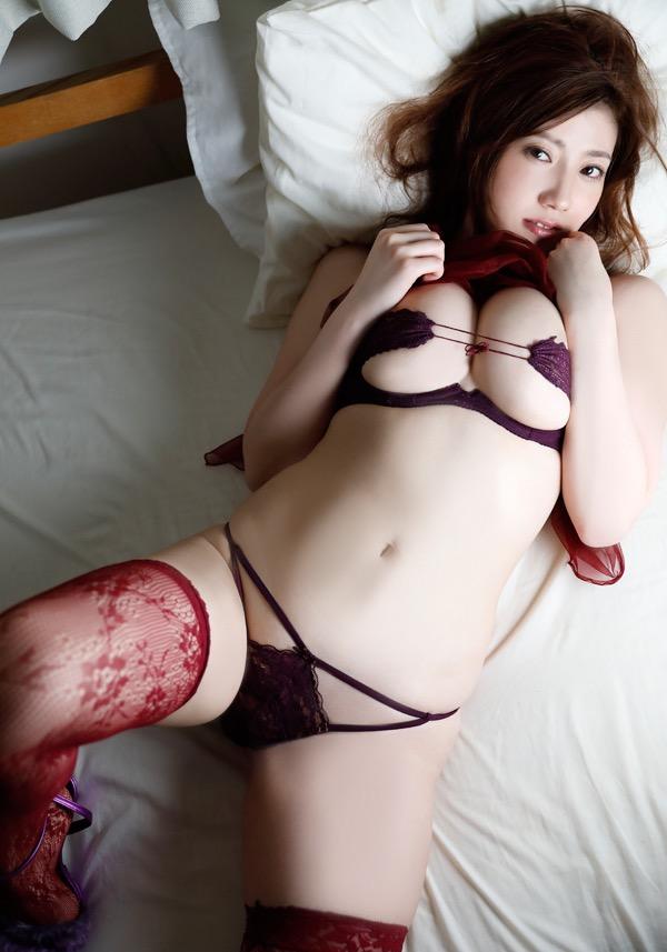 【草野綾エロ画像】最高級メロンカップと名高いGカップ巨乳グラビアアイドル! 12