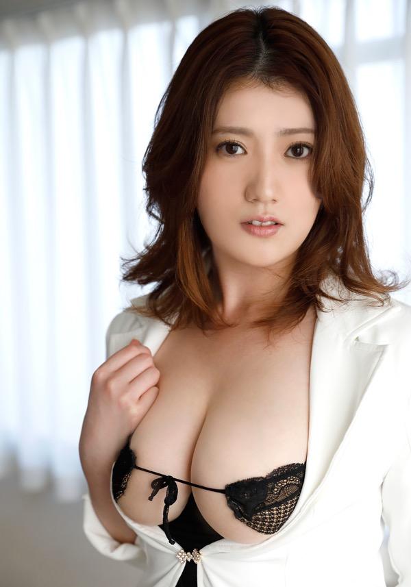 【草野綾エロ画像】最高級メロンカップと名高いGカップ巨乳グラビアアイドル! 14