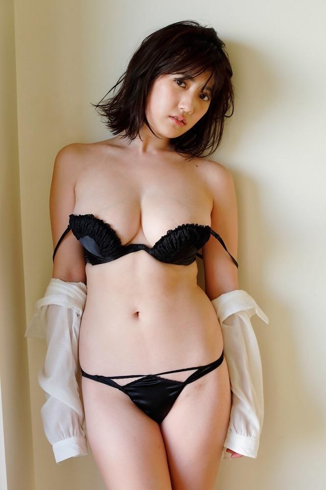 【草野綾エロ画像】最高級メロンカップと名高いGカップ巨乳グラビアアイドル! 23