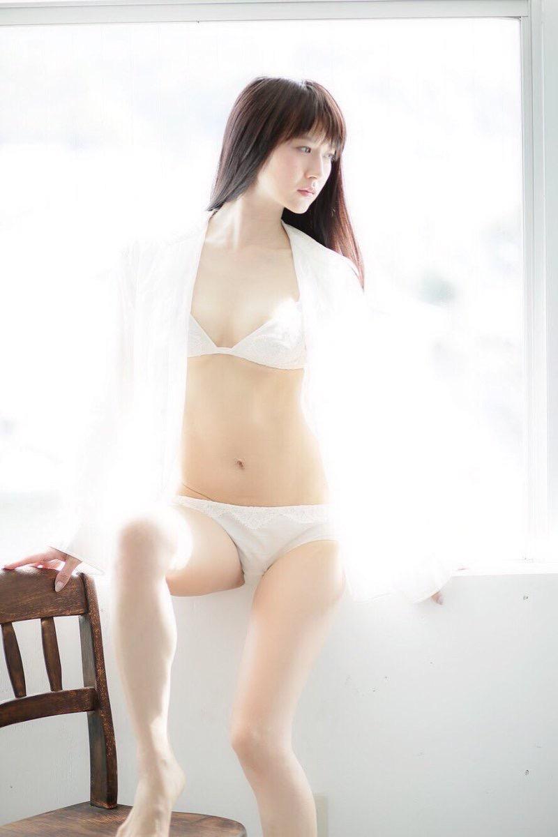 【謎の美女あいみエロ画像】2018年に売れたDVDランキング1位の詳細不明なグラビアアイドル 56