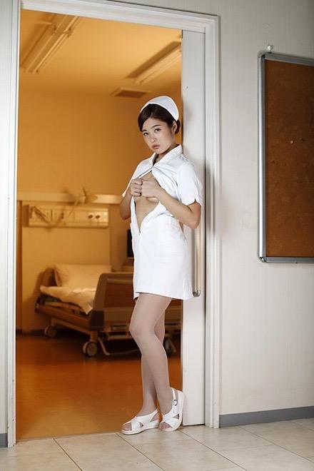 【現役ナース画像】現役で看護師グラビアアイドルの柳川あい&稲垣彩夏のエロ画像 44