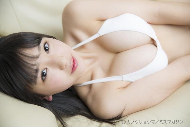 【沢口愛華エロ画像】可愛い顔してFカップ巨乳のエロくて可愛い美少女アイドル