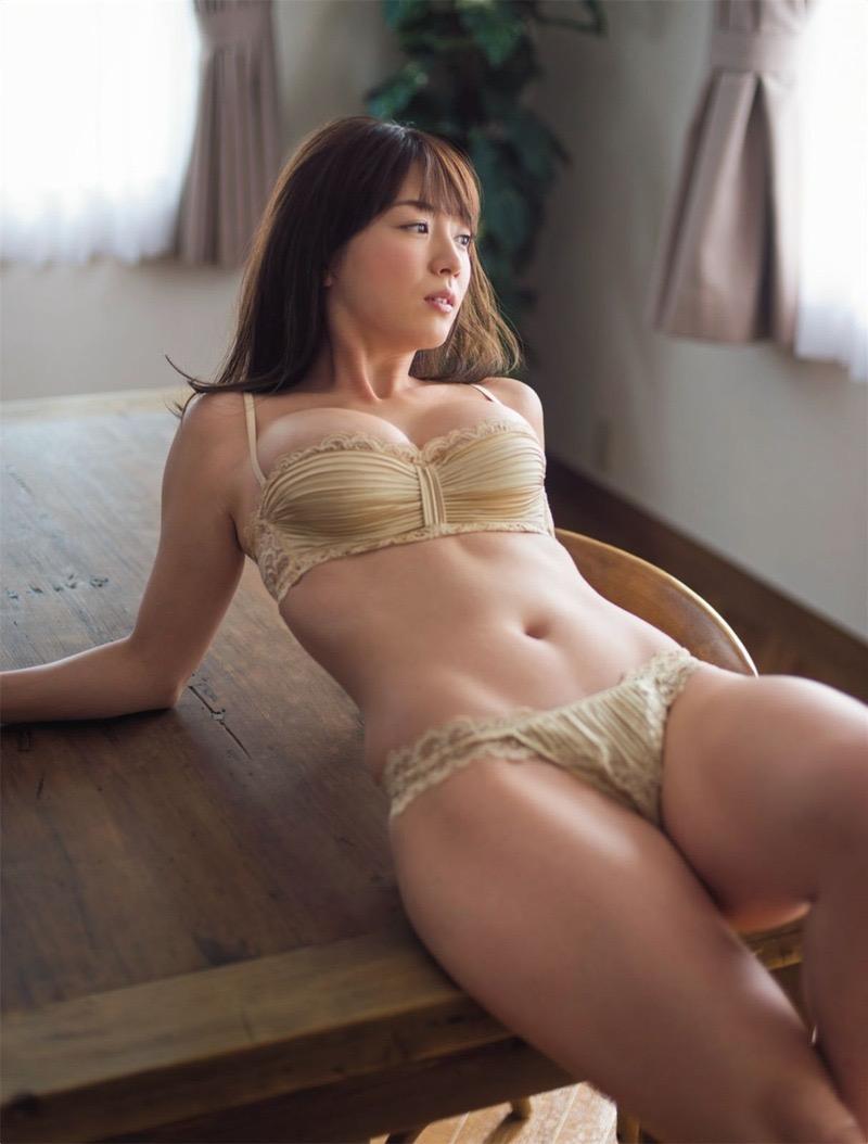【グラドル下着エロ画像】グラビアアイドル美女達のセクシーなランジェリー姿に大興奮! 52