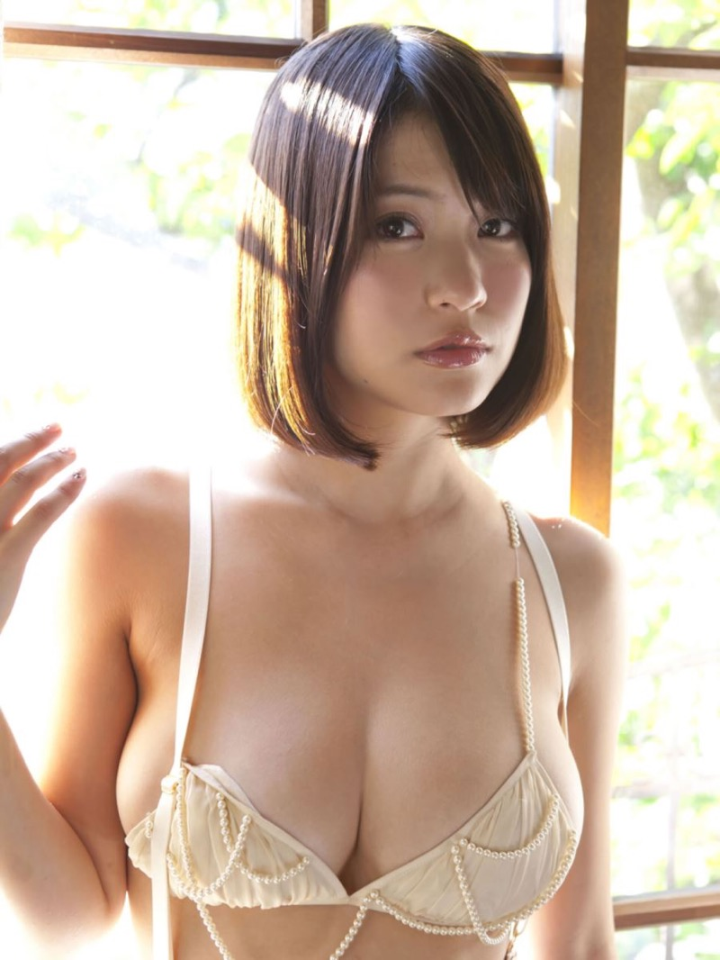 【グラドル下着エロ画像】グラビアアイドル美女達のセクシーなランジェリー姿に大興奮! 63
