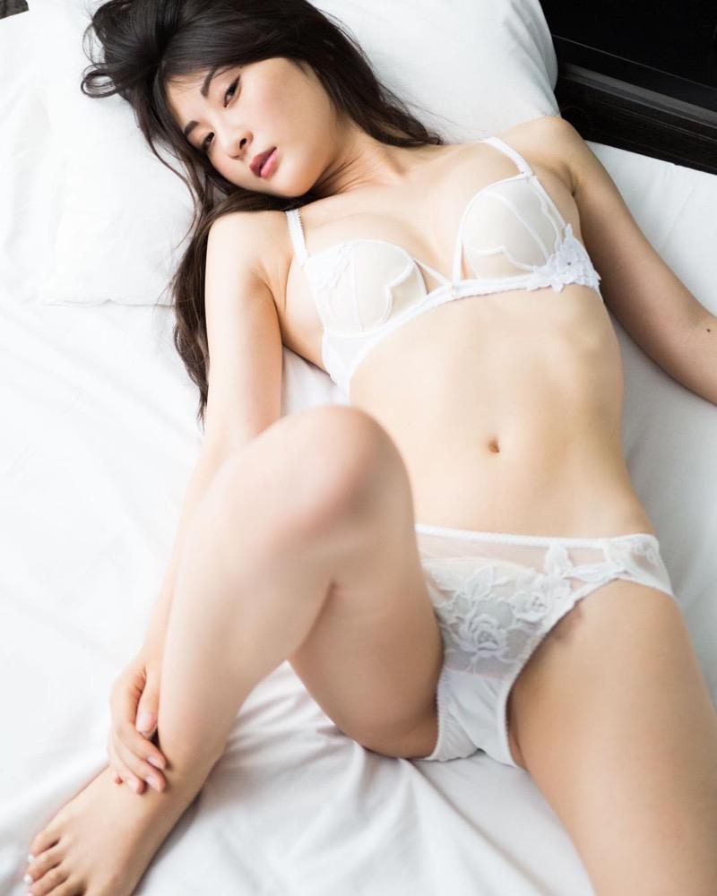 【グラドル下着エロ画像】グラビアアイドル美女達のセクシーなランジェリー姿に大興奮! 70