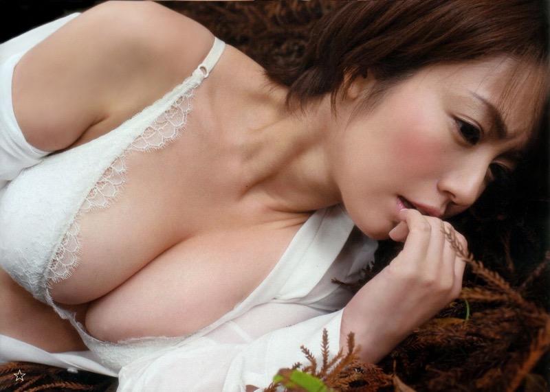【磯山さやかグラビア画像】セクシー女優に負けないメチャシコエロボディのグラビアアイドル! 09