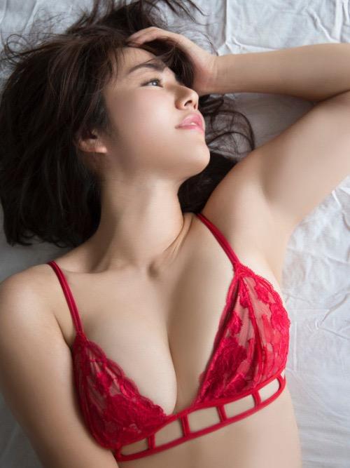 【磯山さやかグラビア画像】セクシー女優に負けないメチャシコエロボディのグラビアアイドル! 14