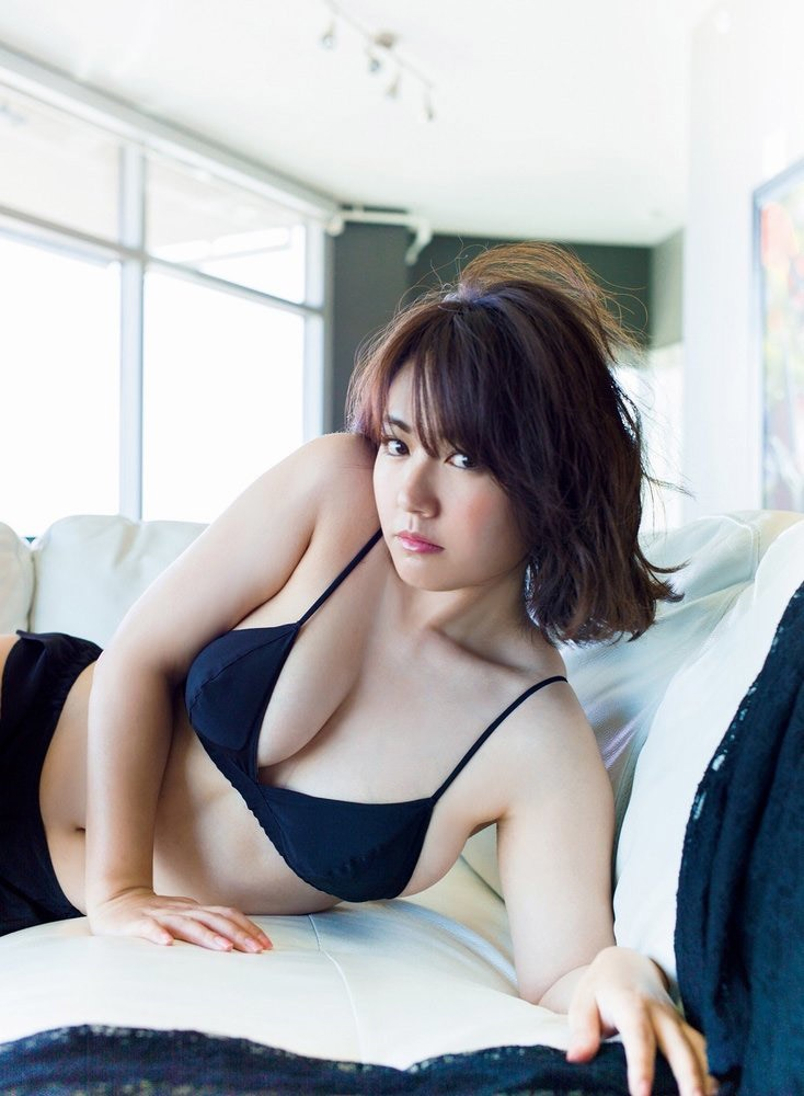 【磯山さやかグラビア画像】セクシー女優に負けないメチャシコエロボディのグラビアアイドル! 27