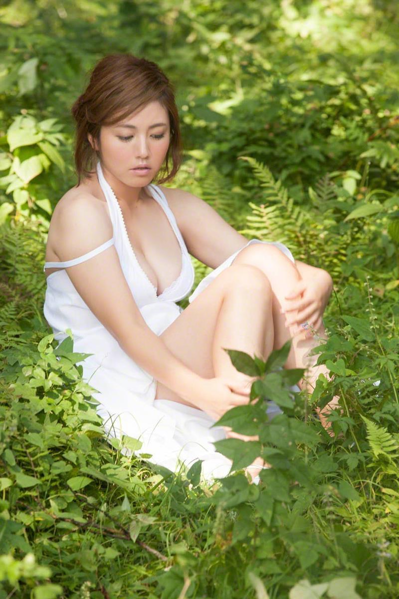 【磯山さやかグラビア画像】セクシー女優に負けないメチャシコエロボディのグラビアアイドル! 30