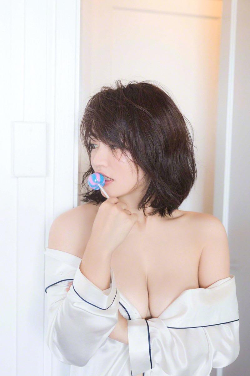 【磯山さやかグラビア画像】セクシー女優に負けないメチャシコエロボディのグラビアアイドル! 32