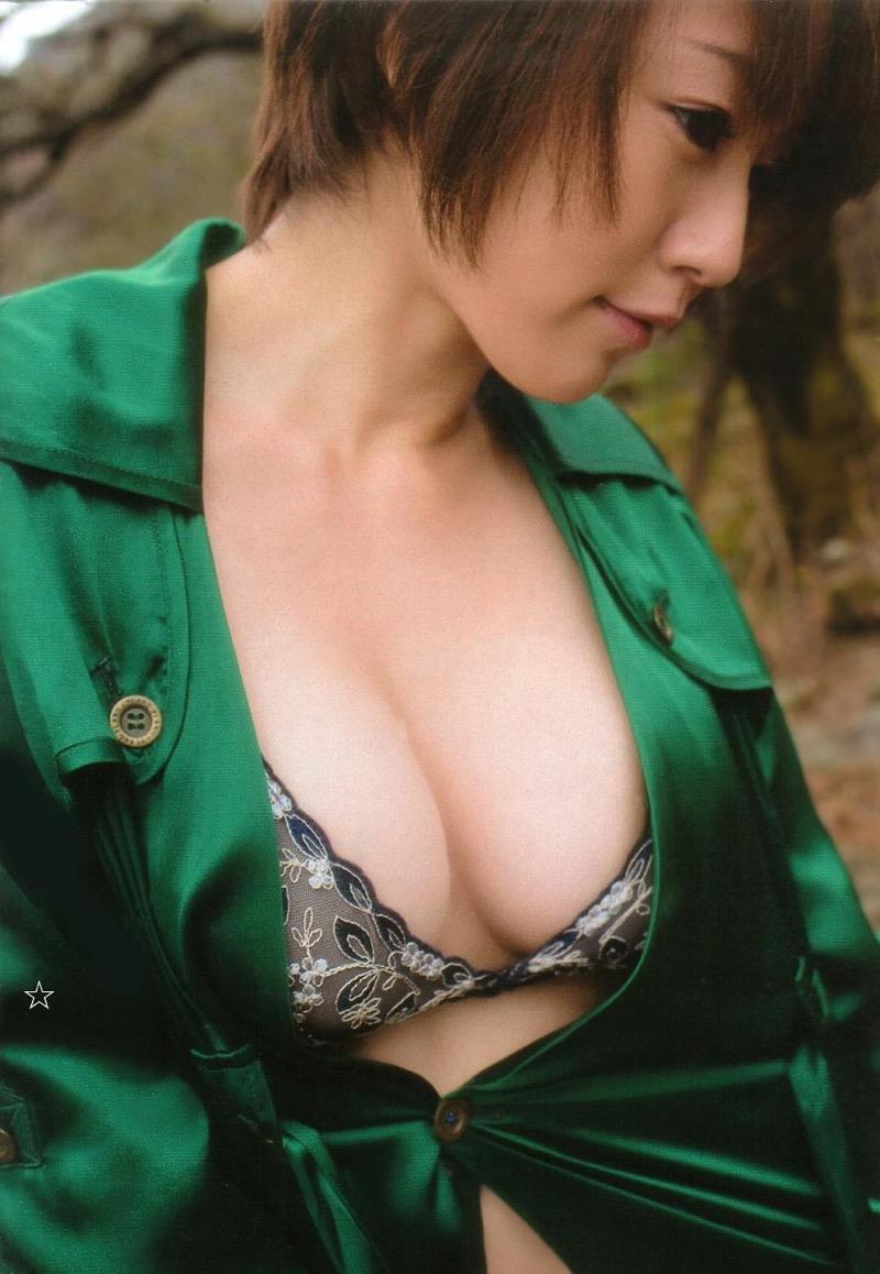 【磯山さやかグラビア画像】セクシー女優に負けないメチャシコエロボディのグラビアアイドル! 49