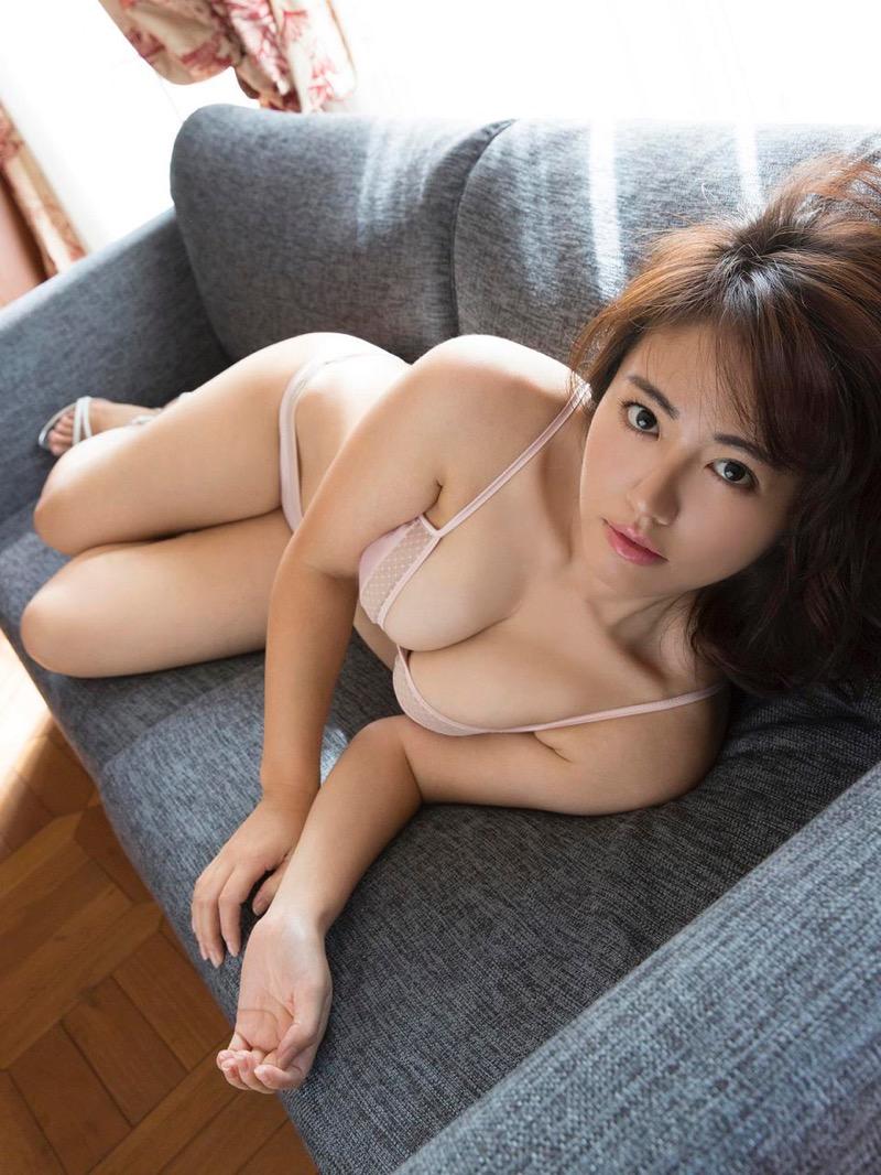【磯山さやかグラビア画像】セクシー女優に負けないメチャシコエロボディのグラビアアイドル! 54