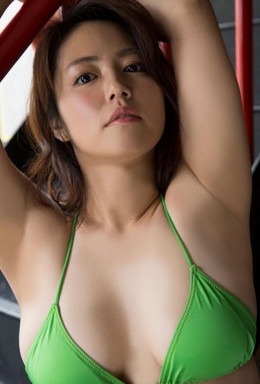 【磯山さやかグラビア画像】セクシー女優に負けないメチャシコエロボディのグラビアアイドル! 73