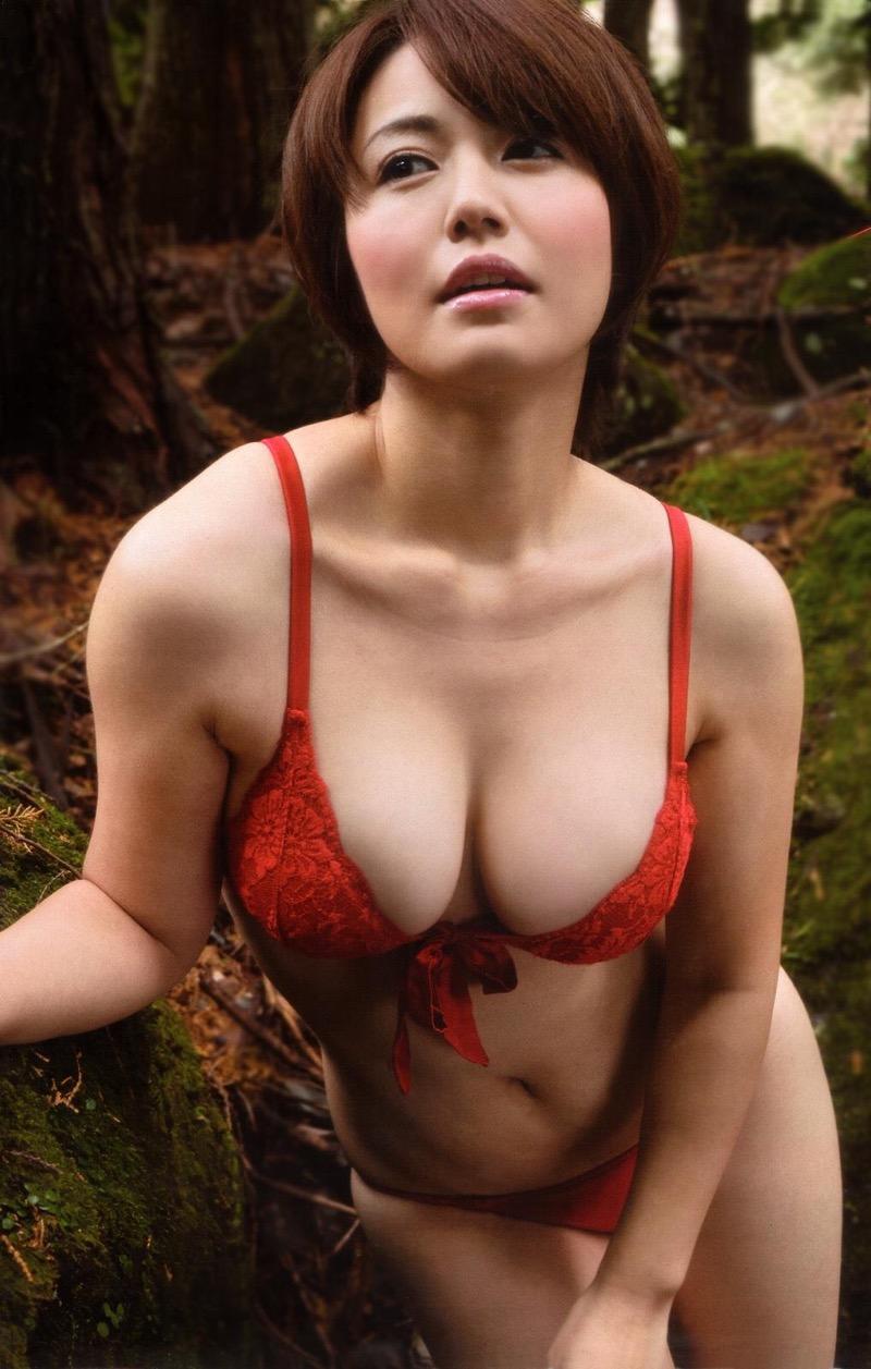 【磯山さやかグラビア画像】セクシー女優に負けないメチャシコエロボディのグラビアアイドル! 75