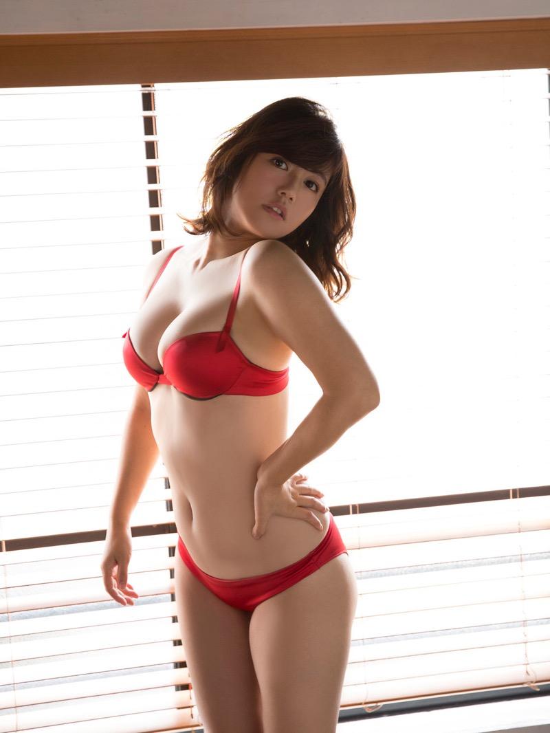 【磯山さやかグラビア画像】セクシー女優に負けないメチャシコエロボディのグラビアアイドル! 79