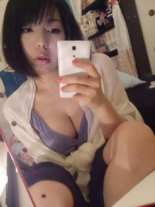 【永岡怜子エロ画像】グラビアアイドル白川卯奈時代の過激な自撮りとヌード画像 48