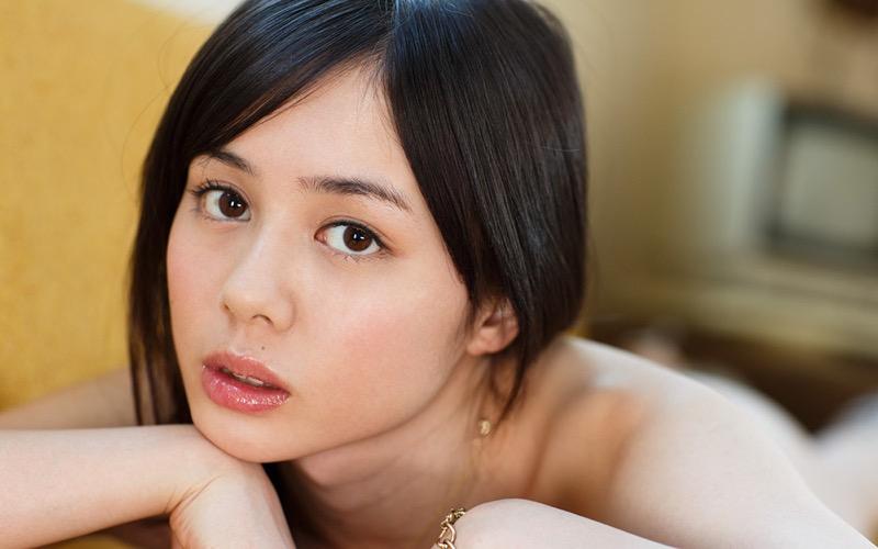 【吉川あいみグラビア画像】中学時代には既にHカップだったという童顔爆乳な元AV女優 09