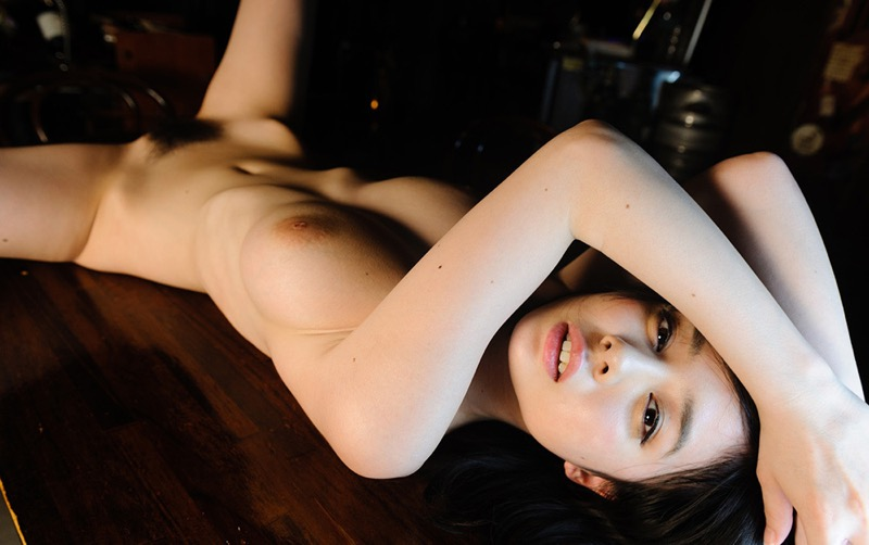【吉川あいみグラビア画像】中学時代には既にHカップだったという童顔爆乳な元AV女優 16