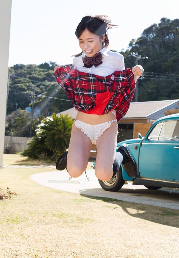 【吉川あいみグラビア画像】中学時代には既にHカップだったという童顔爆乳な元AV女優 44