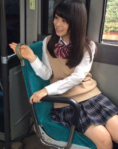 【長濱ねるグラビア画像】アイドルグループ欅坂46メンバーの美少女が魅せるビキニ姿! 36