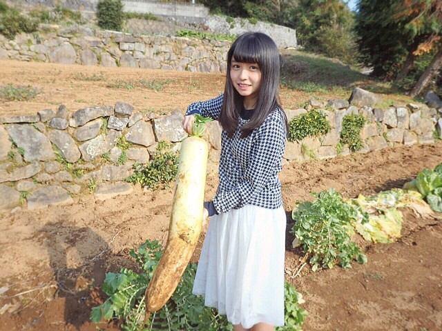 【長濱ねるグラビア画像】アイドルグループ欅坂46メンバーの美少女が魅せるビキニ姿! 77