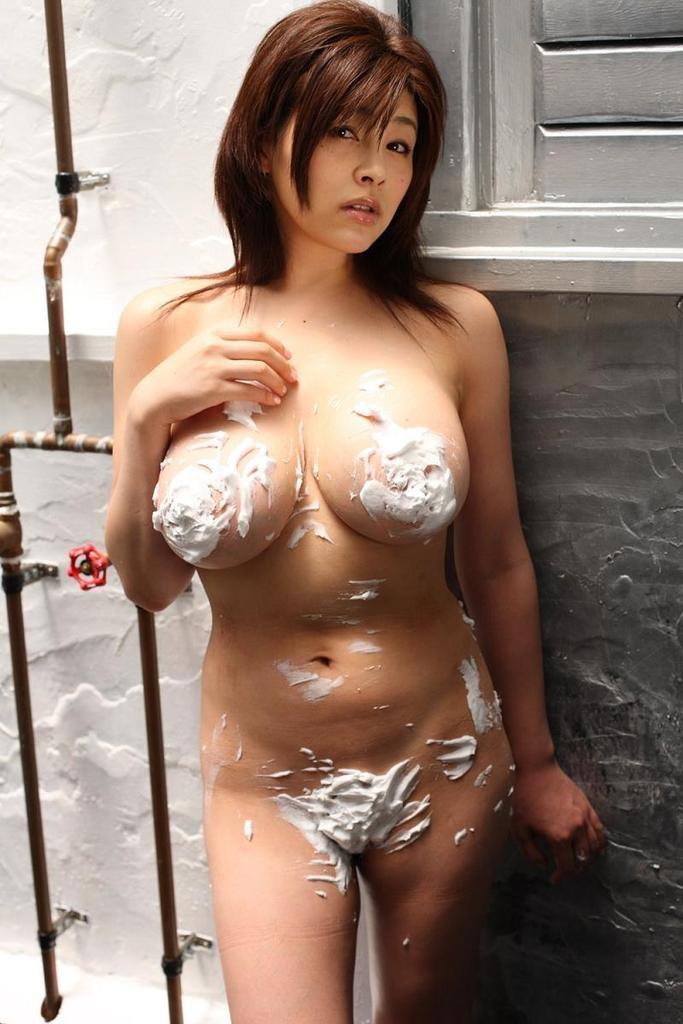 【松坂南エロ画像】バスト115cmのド迫力Lカップ超乳グラドルのヘアヌード! 77