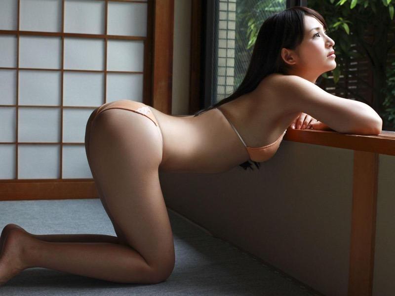 【鈴木咲グラビア画像】ショートヘアが良く似合って三十路と思えない可愛さのグラドル!