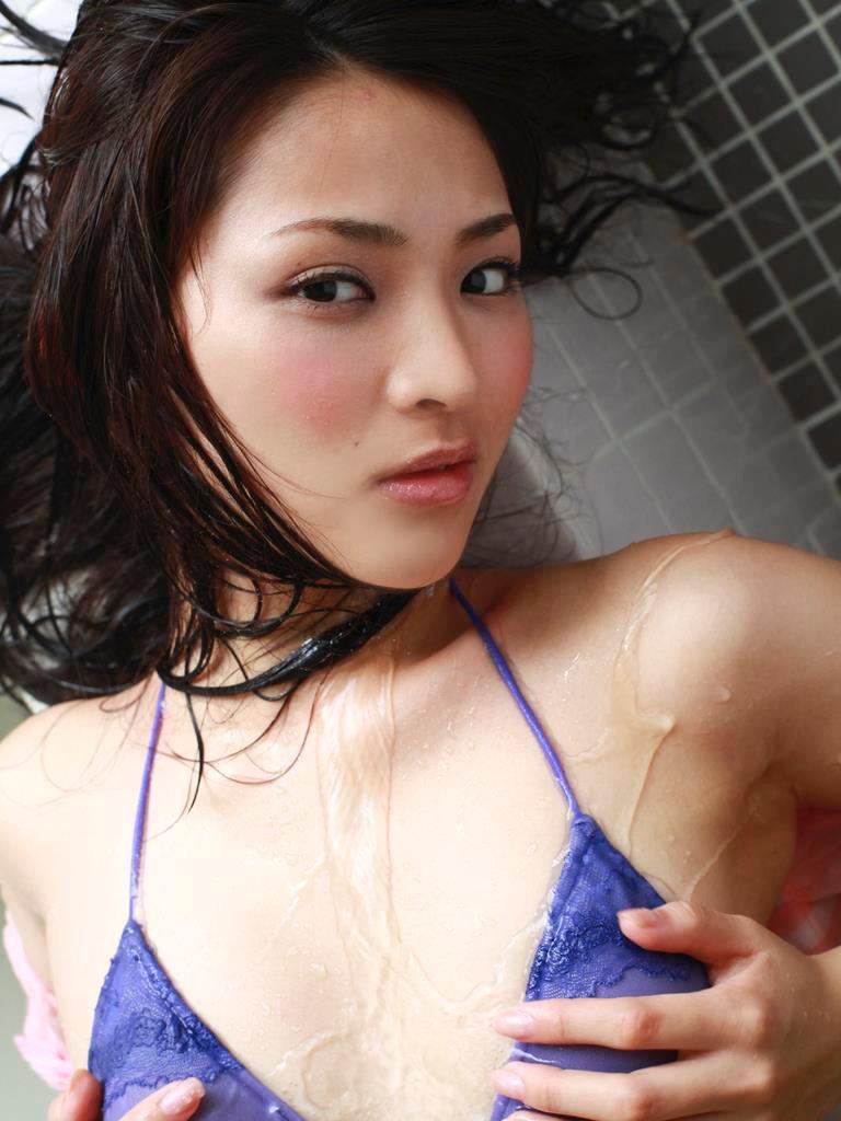 【鈴木咲グラビア画像】ショートヘアが良く似合って三十路と思えない可愛さのグラドル! 38