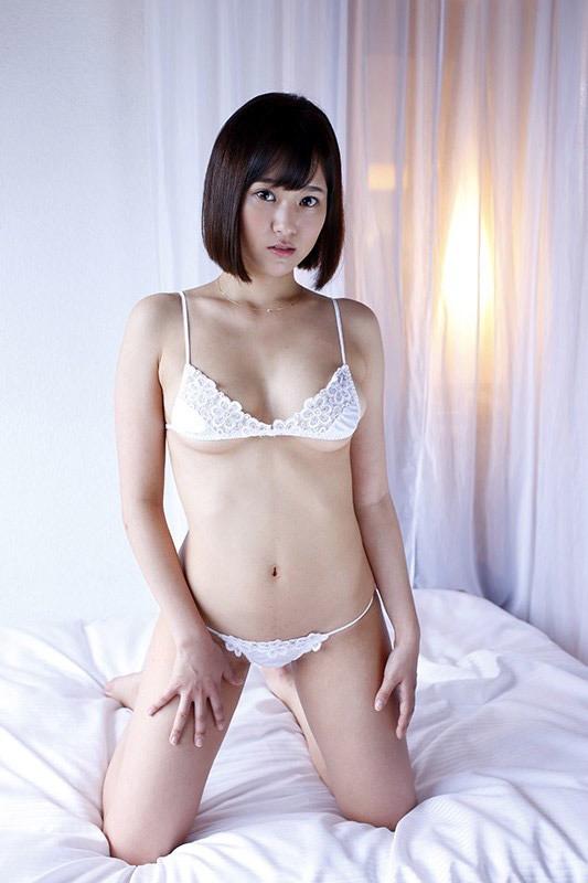 【西原愛夏エロ画像】現役歯科衛生士でグラビアアイドルをしている巨乳美人お姉さん 03