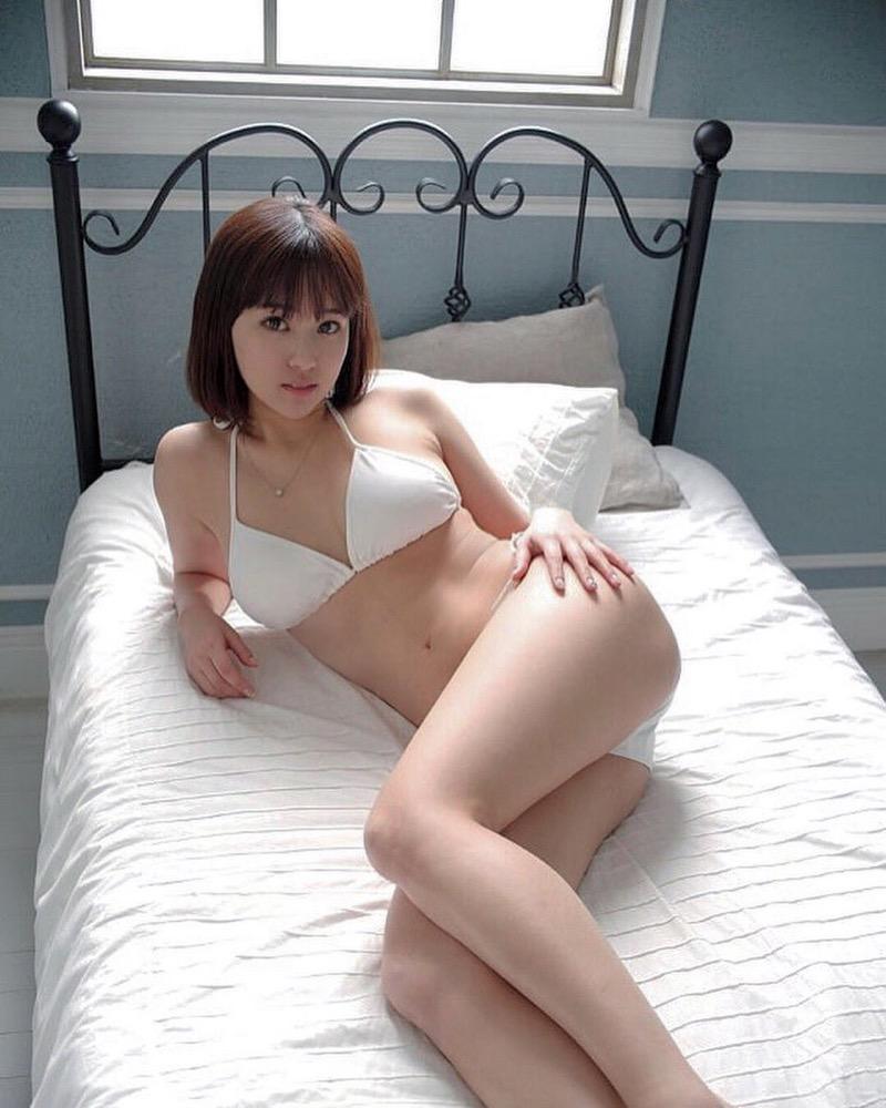 【西原愛夏エロ画像】現役歯科衛生士でグラビアアイドルをしている巨乳美人お姉さん 20