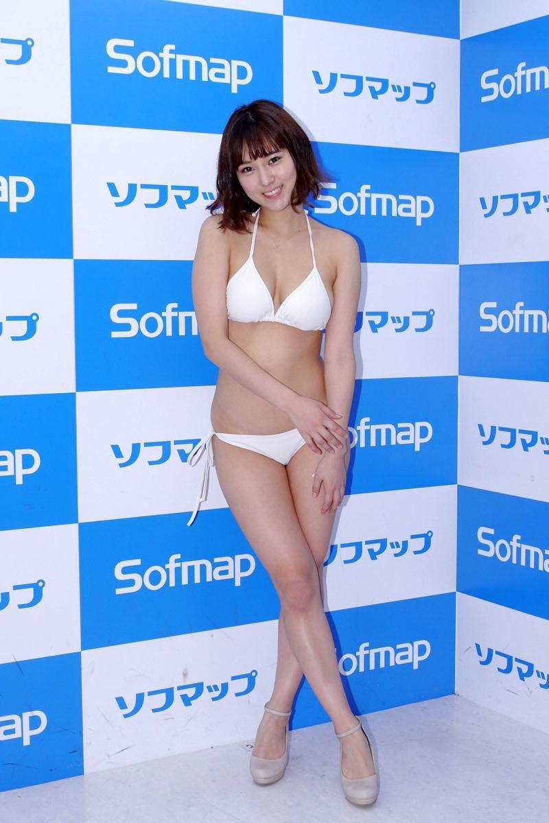【西原愛夏エロ画像】現役歯科衛生士でグラビアアイドルをしている巨乳美人お姉さん 45