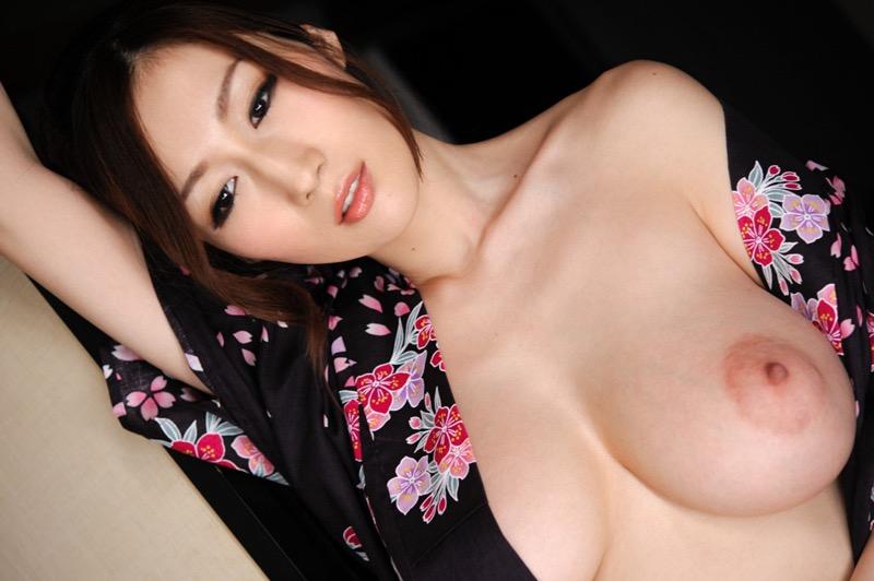 【JULIAグラビア画像】色白Jカップ美爆乳がめちゃシコな美人AV女優のヘアヌード!