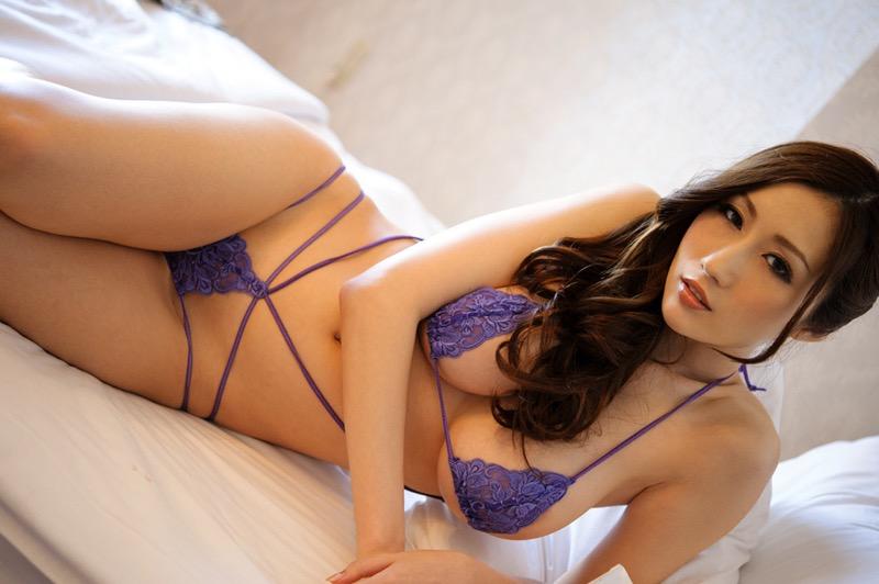 【JULIAグラビア画像】色白Jカップ美爆乳がめちゃシコな美人AV女優のヘアヌード! 16