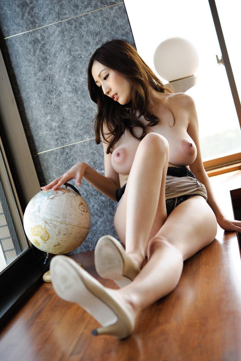 【JULIAグラビア画像】色白Jカップ美爆乳がめちゃシコな美人AV女優のヘアヌード! 32
