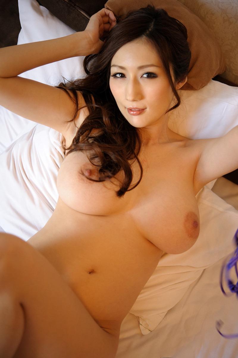 【JULIAグラビア画像】色白Jカップ美爆乳がめちゃシコな美人AV女優のヘアヌード! 58