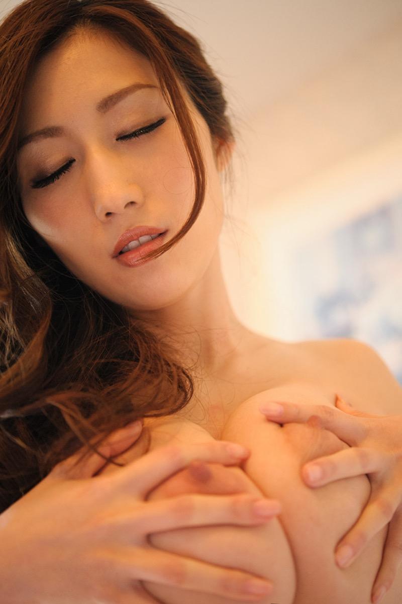 【JULIAグラビア画像】色白Jカップ美爆乳がめちゃシコな美人AV女優のヘアヌード! 60