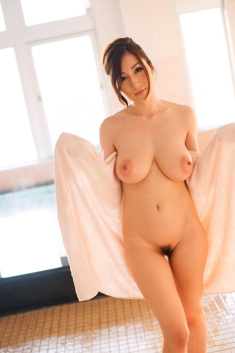 【JULIAグラビア画像】色白Jカップ美爆乳がめちゃシコな美人AV女優のヘアヌード! 78
