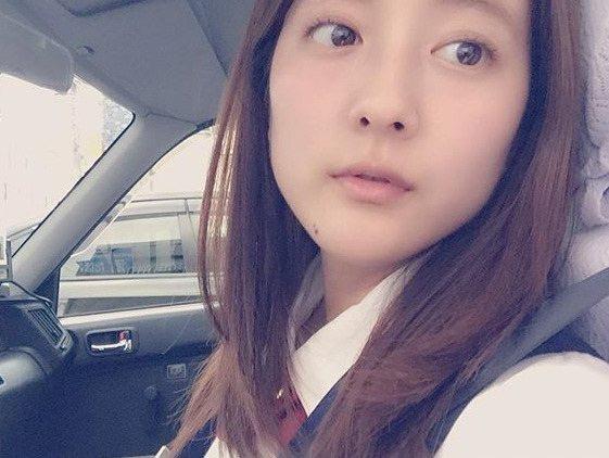 【生田佳那エロ画像】美しすぎるタクシードライバーとして注目されているグラビアアイドル 68